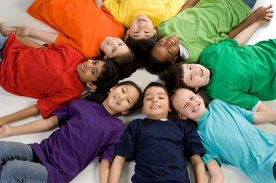 "teach diversity with a smile ""response to 'teach diversity—with a smile,'"" pages 87–88 write an original post about this essay giving your answers to the following questions."